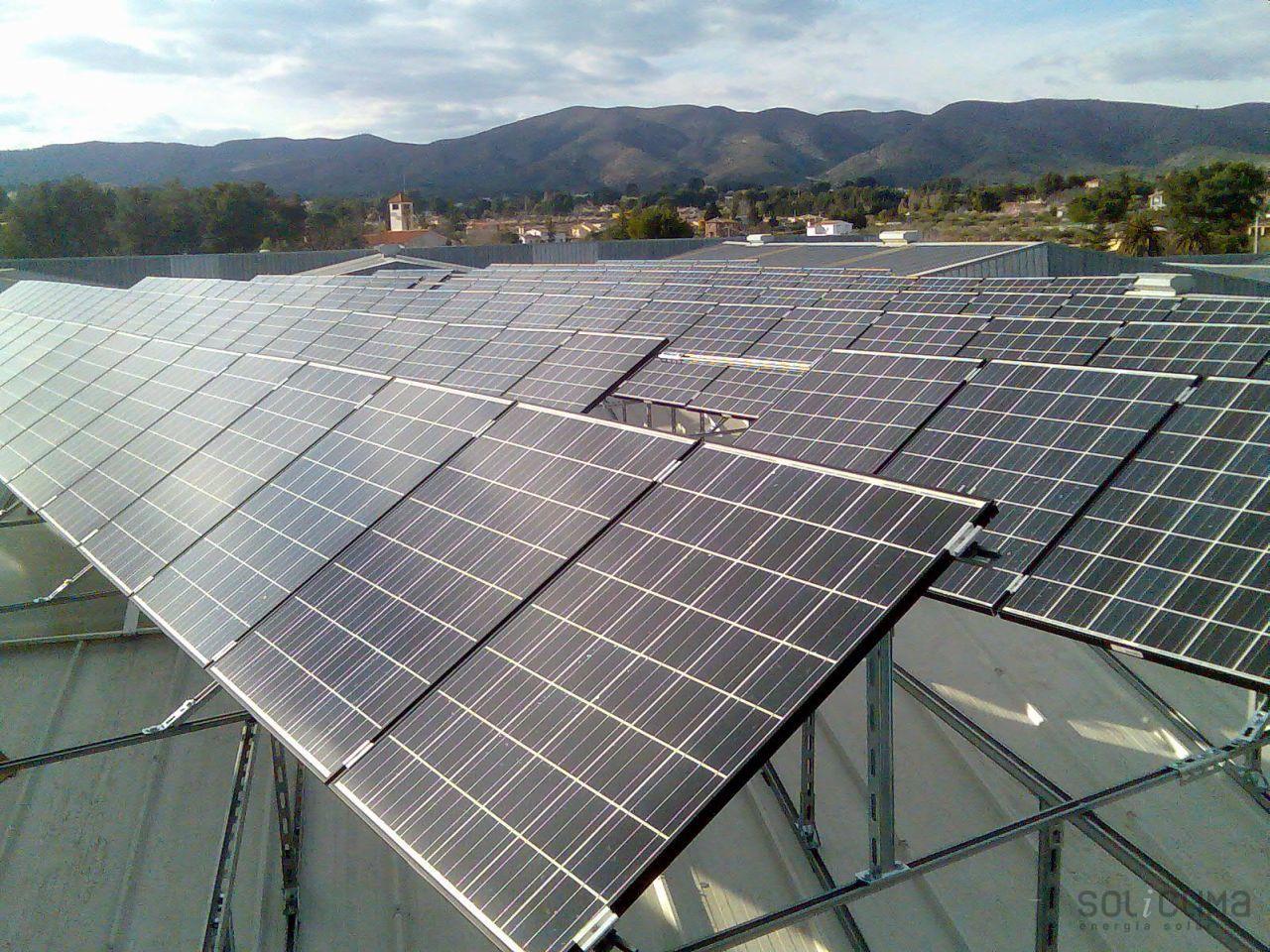 Fotovoltaica madrid for Instalacion fotovoltaica conectada a red