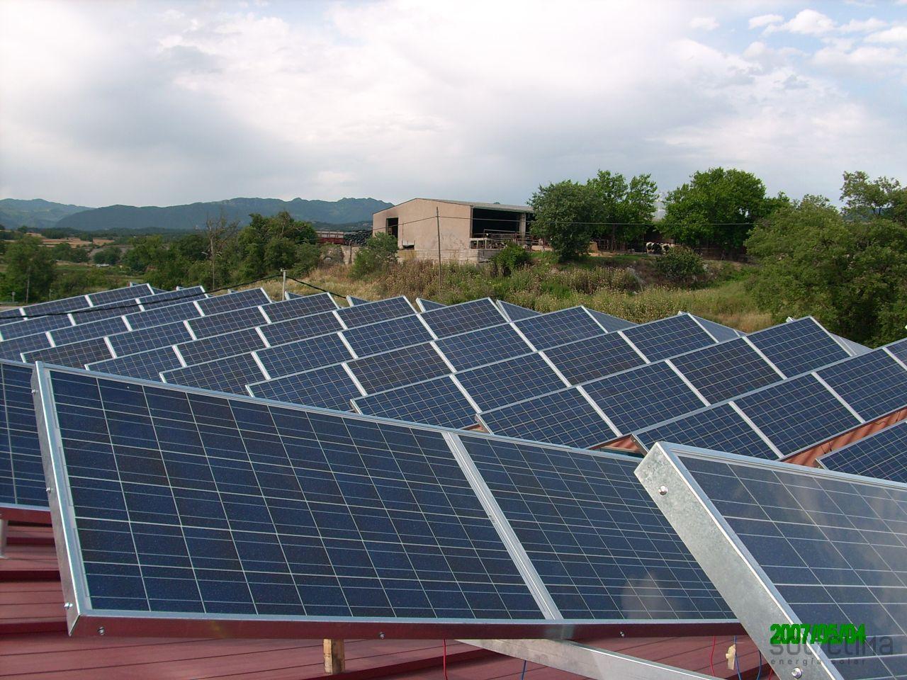 Instalaci n solar fotovoltaica for Instalacion fotovoltaica conectada a red