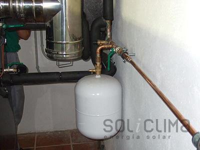 Instalacion destacada calderas lleida for Caldera de pellets para radiadores
