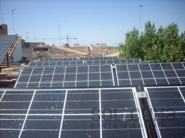 Energía solar fotovoltaica sobre tejado plano en Castellón