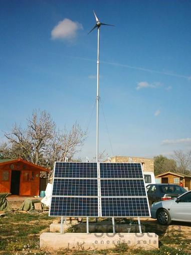 Instalacion fotovoltaica y eólica en Tarragona