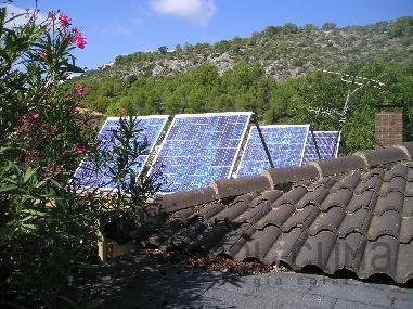 Placas fotovoltaicas sobre pérgola
