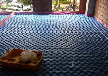Casa residencial familiar suelo radiante rdz instalacion - Colocacion suelo radiante ...